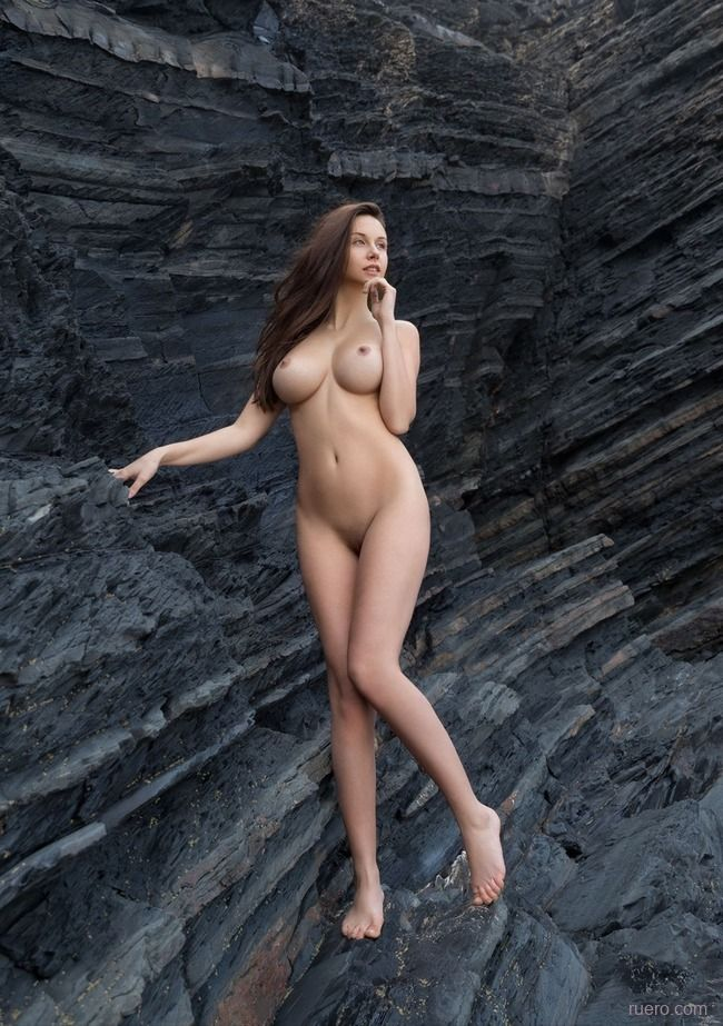 Alisa I : у черной скалы