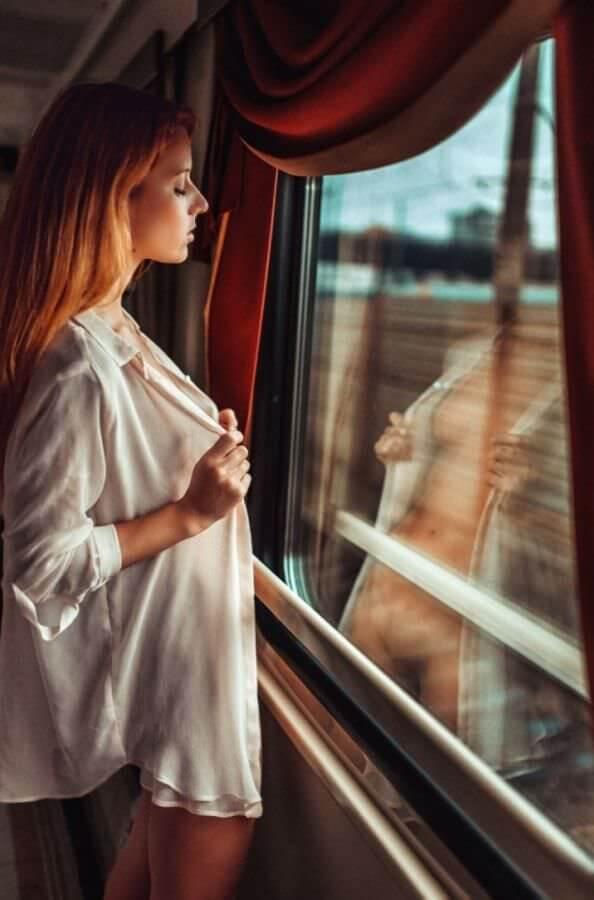 Поездная эксбиционистка