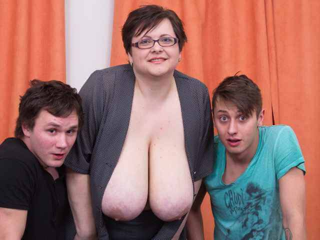 Two boys for mature Felicia