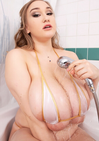 Huge Natural Boobs Amateur Girl Cheryl Blossom