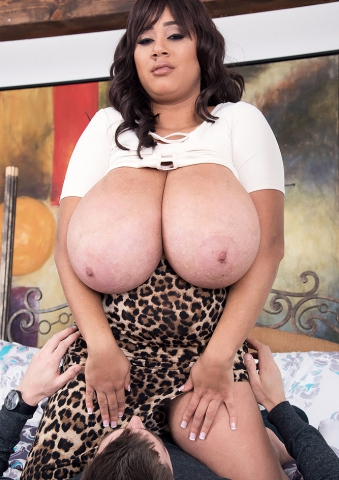 Giant Ebony Boobs MILF Roxi Red Fucking Her Neighbor