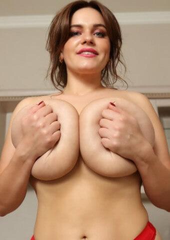 Big Natural Boobs PinupFiles Amateur Model Jenny Oops